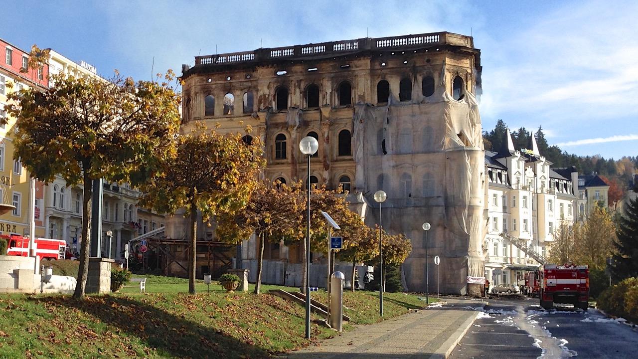Hotel u kolonády v Mariánských Lázních zničil požár
